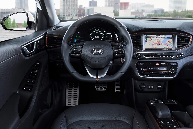 Fahrersicht aufs Cockpit (Foto: Hyundai).