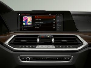 Media-Menü im BMW Operating System 7.0 (Foto: BMW).