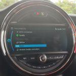 """Übersicht der """"MINI Connected Fahrzeug-Apps"""" im Punkt """"Kommunikation""""."""