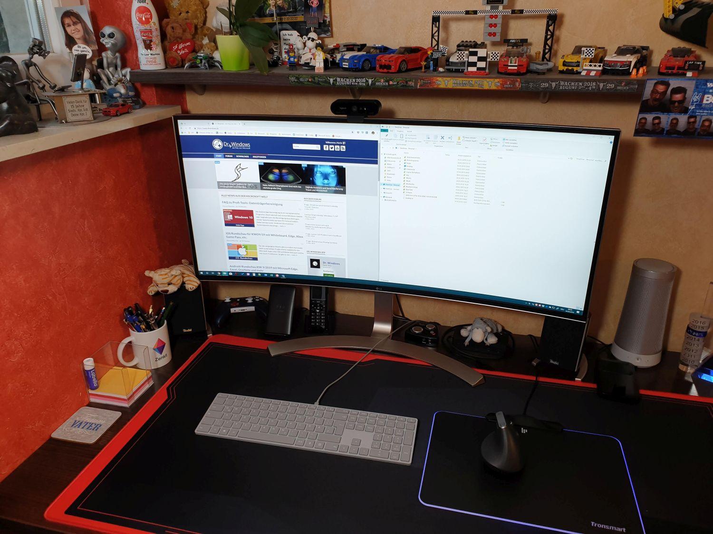 Mein Schreibtisch mit 21:9 Breitbild-Monitor