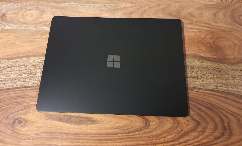 Surface Laptop 3 geschlossen