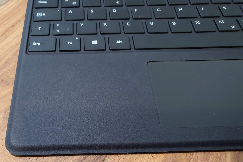 Die Haptik des Surface Pro X Type Cover ist miserabel
