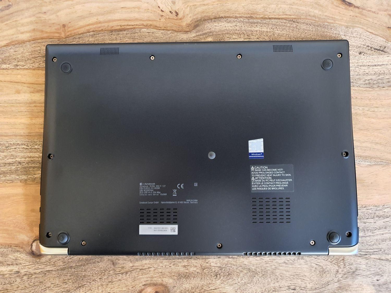 dynabook Tecra X50-F Unterseite