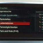 """Ladestationen mit BMW Online-Infos. Zudem gibt es hier auch Tankstellen-Infos mit aktuellen Spritpreisen etc. Diese BMW-Online-Dienste sind enthalten im """"BMW Connected Plus Package""""."""