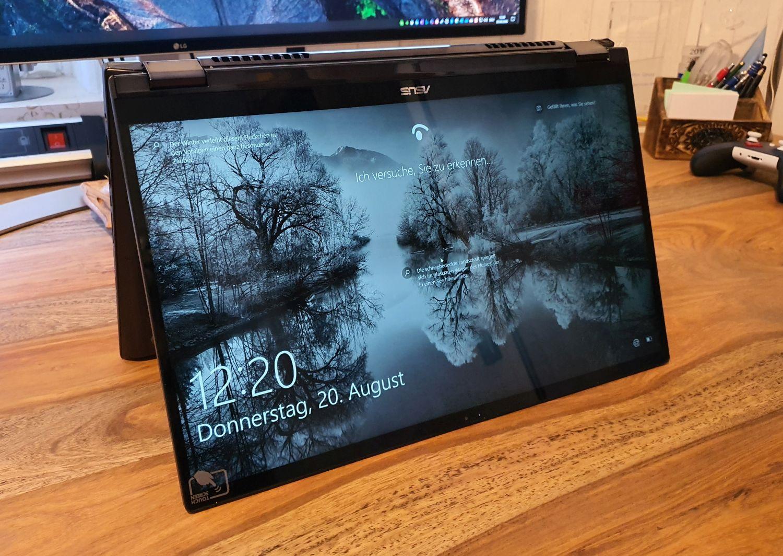 Asus ZenBook Flip 15 im Zeltmodus