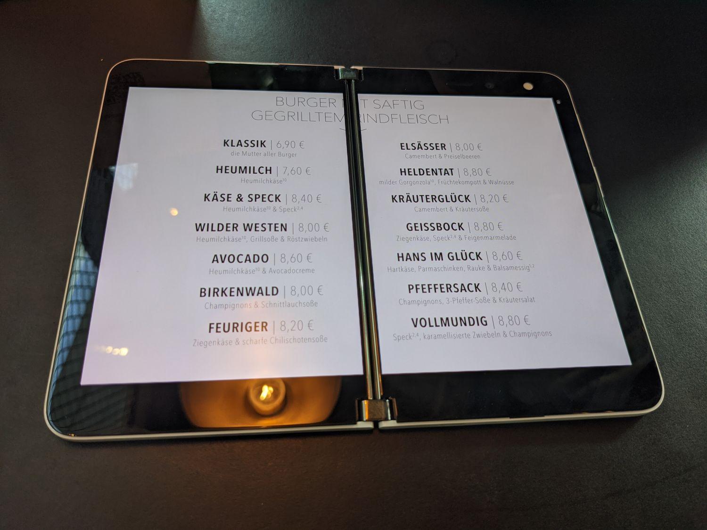 Surface Duo - gestreckte Ansicht