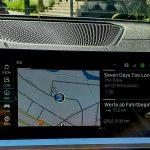 Maximaler Benzinverbrauch bei leerem Akku des Plug-in-Hybriden BMW 330e beträgt 6,6 Liter Benzin auf 100 km.