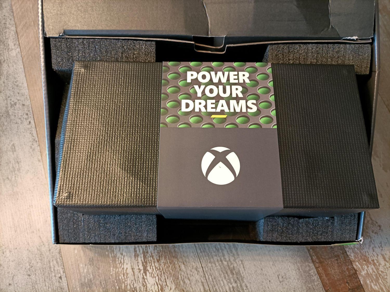 Xbox Series X in der Retail Verpackung