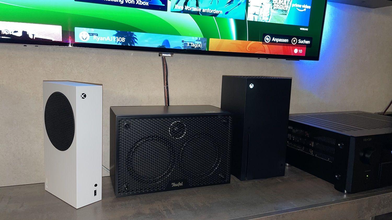Xbox Series S und X vertikal