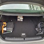 Kofferraum des BMW 530e mit 410 Liter Volumen, statt 530 Litern wie bei der 5er-Limousine ohne Hybrid-Antrieb (Quelle: Dr. Windows).