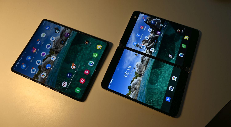 Samsung Galaxy Z Fold 3 vs Surface Duo